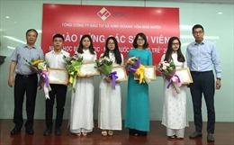 SCIC trao học bổng 'Nâng bước tài năng trẻ' năm 2018 cho sinh viên xuất sắc
