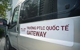 Xe ô tô gắn mác 'Trường PTLC quốc tế Gateway' đâm xe bồn dừng đèn đỏ