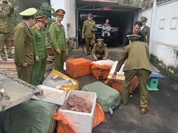 Liên tiếp thu giữ thịt lợn, hàng hóa không rõ nguồn gốc dịp giáp Tết