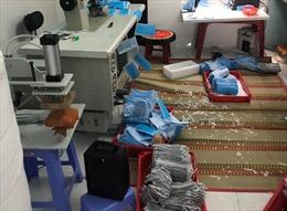 Phát hiện cơ sở sản xuất khẩu trang giả mạo địa chỉ và thương hiệu