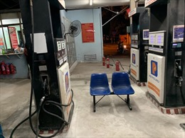 Kiểm tra và xử phạt cây xăng đóng cửa, 'găm hàng'