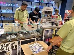 Núp bóng quán cafe để kinh doanh trên 1.300 máy hút thuốc lá điện tử