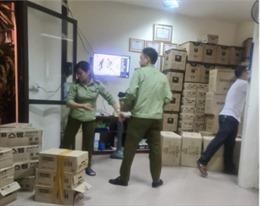 Phát hiện hàng trăm thùng mỹ phẩm, thực phẩm chức năng tại Hà Nội
