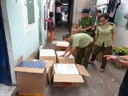 Phát hiện tụ điểm tàng trữ trên 10.000 bao thuốc lá nhập lậu tại Bình Dương