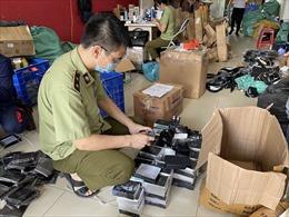 Hàng nghìn mỹ phẩm không hóa đơn chứng từ, giả mạo nhãn hiệu bị thu giữ tại Hà Nội