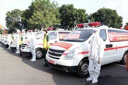 Bộ Quốc phòng bàn giao 30 xe cứu thương hỗ trợ TP Hồ Chí Minh phòng, chống COVID-19