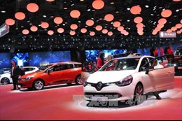Chạy đua giảm giá trước 'tháng cô hồn', nhưng thị trường ô tô vẫn giảm 8%