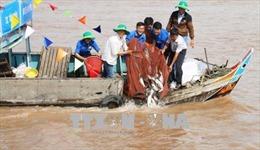 Ngăn chặn suy giảm nguồn lợi thủy sản