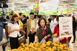 Đặc sản vùng miền rộng đường vào siêu thị