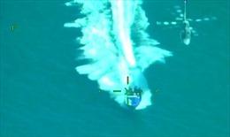 Cảnh trực thăng truy đuổi canô chở hơn 2 tấn cocain như phim hành động