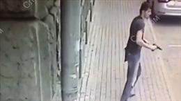 Video đấu súng căng thẳng bên ngoài Bộ Ngoại giao Nga