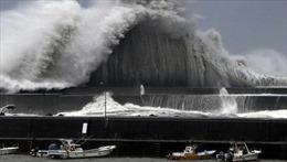 Nhật Bản 'tơi bời' trong siêu bão lớn nhất 25 năm qua