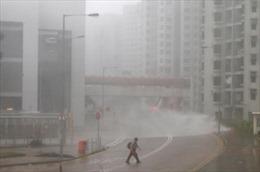 Siêu bão Mangkhut quần thảo tơi bời Hong Kong, Trung Quốc