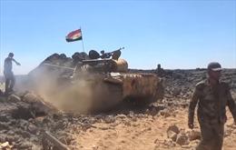 Video quân đội Syria nã đạn pháo đập tan tàn quân IS ở miền Nam
