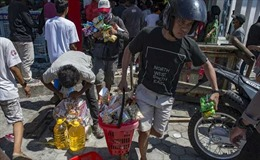 Quân đội Indonesia cảnh báo sẽ bắn người cướp bóc sau thảm họa động đất, sóng thần