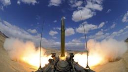 Mỹ rút khỏi hiệp ước tên lửa với Nga, mũi tên trúng hai đích?