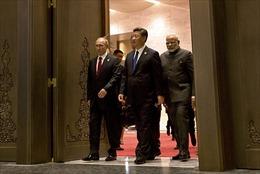 Lý do Nga, Trung Quốc và Ấn Độ rời xa USD Mỹ trong thương mại