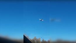 Xem video máy bay Nga 'bất động' trên bầu trời