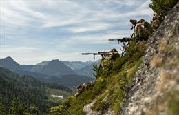 Xem lính bắn tỉa NATO cất công lên núi cao luyện diệt mục tiêu