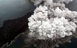 Núi lửa Indonesia 'lùn' đi sau đợt phun trào gây sóng thần