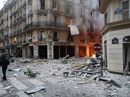 Nổ lớn làm rung chuyển trung tâm thủ đô Paris, Pháp