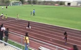 Cậu bé 7 tuổi chạy như Usain Bolt trên đường đua