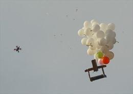 Bóng bay mang theo thiết bị nổ bay vào lãnh thổ Israel