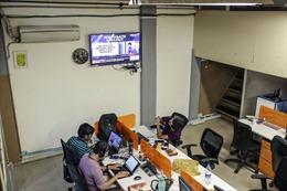 Đội quân 11 người ngăn tin giả trong cuộc bầu cử lớn nhất thế giới