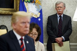 Cố vấn An ninh Quốc gia Mỹ đánh trống trận với Iran?