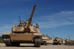 Tổng thống Trump mừng Ngày Độc lập bằng chiến đấu cơ và xe tăng