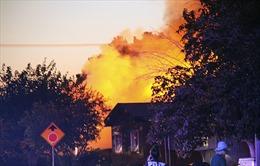 Nhà hàng bốc cháy, siêu thị ngổn ngang sau động đất 7,1 độ ở California
