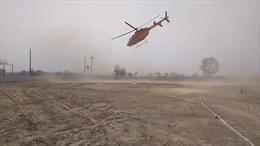 Thót tim cảnh trực thăng chở chính khách xoay vòng mất kiểm soát trên không