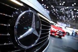 Báo Anh nghi Mercedes theo dõi lái xe và ô tô