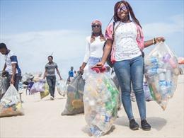 Sáng kiến đổi chai nhựa lấy học phí tại Nigeria