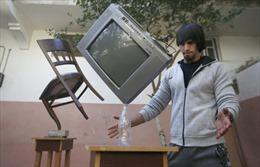 Ngỡ ngàng với khả năng thăng bằng đồ vật của chuyên gia tại Gaza