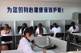 Công chúng Trung Quốc tìm đến đường dây nóng tâm lý vì COVID-19