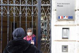 Pháp phong tỏa toàn quốc để chống dịch COVID-19