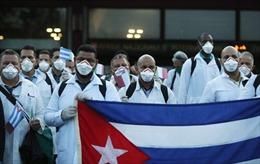 Bác sĩ Cuba tỏa ra thế giới giúp các nước phòng chống dịch COVID-19