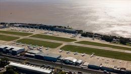 Hàng không Argentina bị cấm hoạt động tới tận tháng 9 vì COVID-19