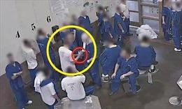 Tù nhân Mỹ cố tình lây nhiễm SARS-CoV-2 để ra tù