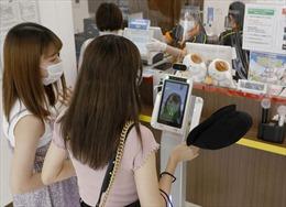 Quán karaoke Nhật Bản thích nghi để phòng dịch COVID-19