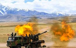 Trung Quốc rầm rộ tập trận bắn đạn thật tại Tây Tạng giữa lúc căng thẳng với Ấn Độ