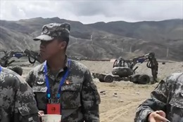 Trung Quốc đưa máy xúc xây dựng siêu năng đến biên giới với Ấn Độ