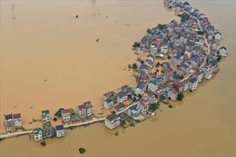 Nước đục ngập khắp Trung Quốc trong trận lũ lụt tồi tệ nhất 30 năm qua