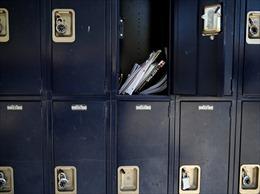 CDC Mỹ lùi thời điểm công bố hướng dẫn COVID-19 dành cho trường học