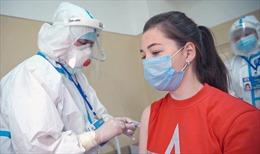 Tình nguyện viên thử vắc-xin COVID-19 của quân đội Nga xuất viện