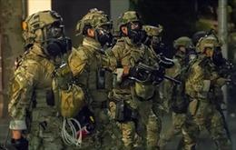 Lầu Năm Góc quan ngại khi đồng phục cảnh sát Mỹ giống quân phục
