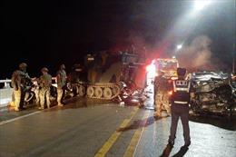Xe quân sự Mỹ gặp tai nạn tại Hàn Quốc khiến 5 người thương vong