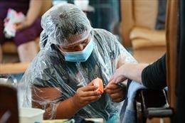 Thợ làm móng gốc Việt tại Mỹ gặp nhiều khó khăn vì dịch COVID-19