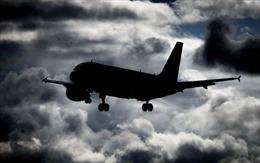 Nữ bệnh nhân COVID-19 tử vong trên máy bay